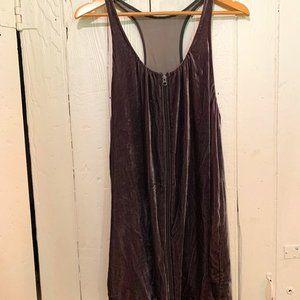✨Wilfred Velvet Zip Up Dress